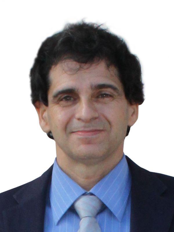 Carmelo J. León González